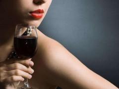 男人为什么爱女人也爱酒?
