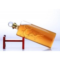 手工艺玻璃白酒瓶定制创意内置大龙造型酒瓶生产厂家