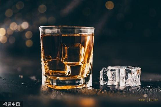 国产威士忌观察2:十块钱的威士忌和一千块的,到底差在哪里?